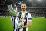 CHIELLINI BRINGS THE SUPERCOPPA TO JUVENTUS MUSEUM