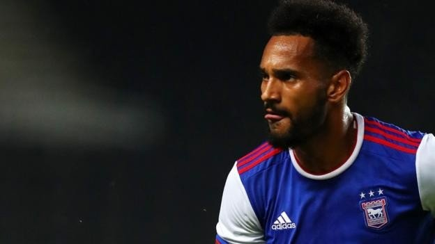 Jordan Roberts: Lincoln City sign Ipswich Town winger on loan