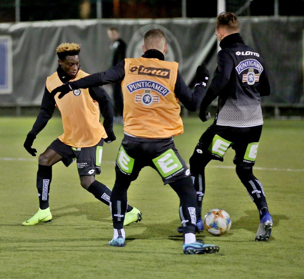 Talented Ghanaian defender Gideon Mensah holds first training with Austrian side SK Sturm Graz