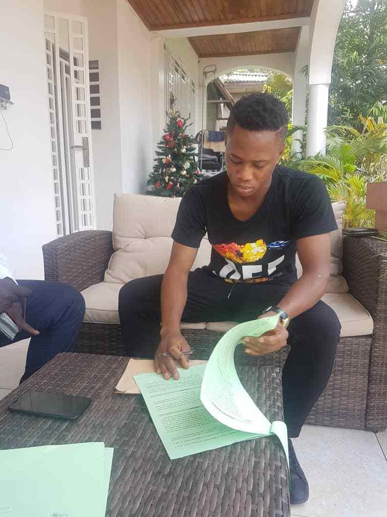Former Aduana Stars winger Zakaria Mumuni completes AS Vita move