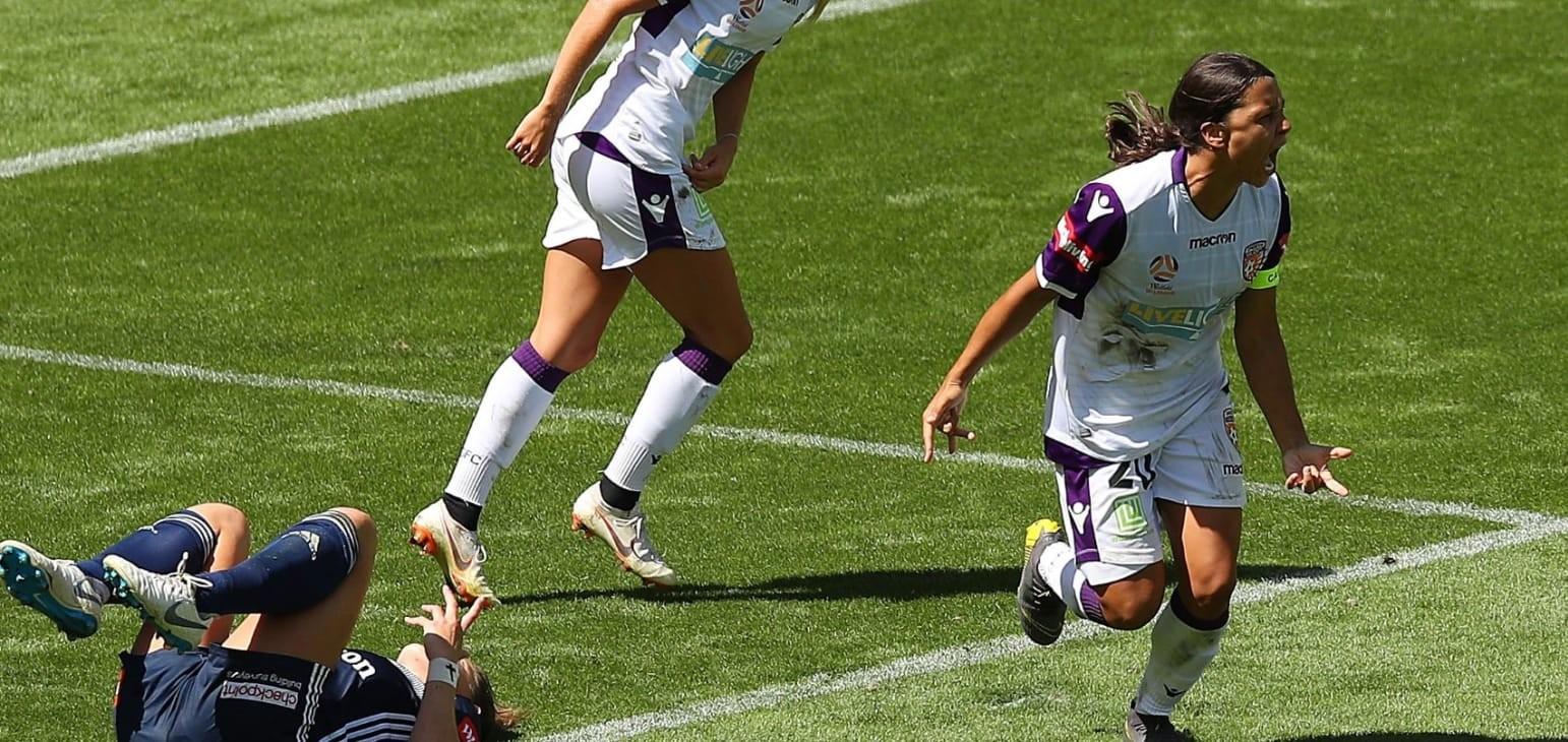 Kerr, Foord star in W-League semi-finals