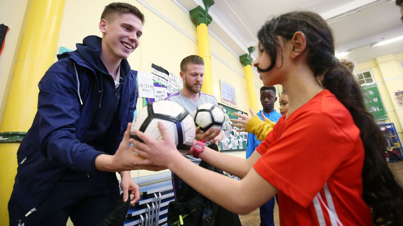 Tottenham's Juan Foyth benefitting from learning under fellow defender Mauricio Pochettino