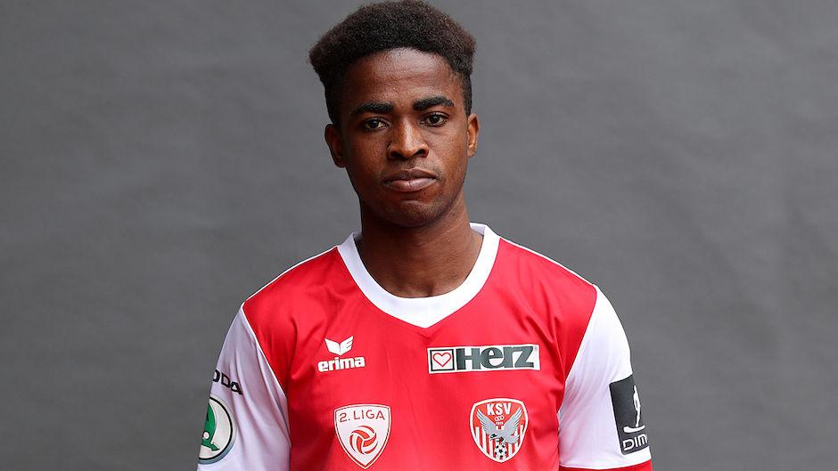 Austrian side Kapfenberger SV manager Kurt Russ heaps praise on Ghanaian teenager Paul Mensah