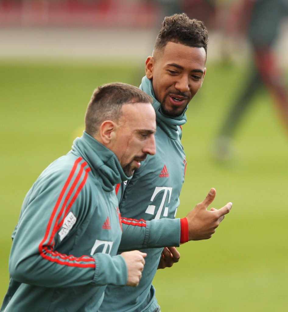 "VIDEO: Bayern Munich fans thrilled after Jerome Boateng replicates Messi\'s ""spoon"" goal"