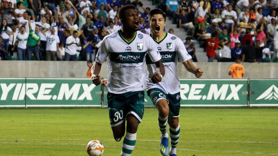 Jacob Akrong, the Ghanaian in love with Zacatepec, the mole and the pozole