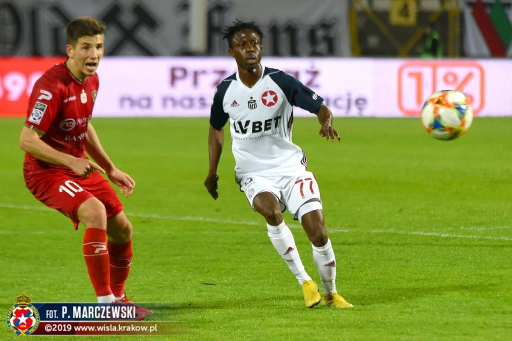 On-loan Emmanuel Kumah becomes 100th foreigner to play for Wisla Krakow