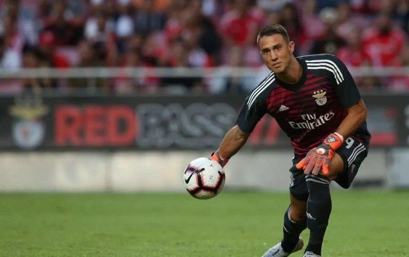 Roma challenge Arsenal and Chelsea for Benfica goalkeeper