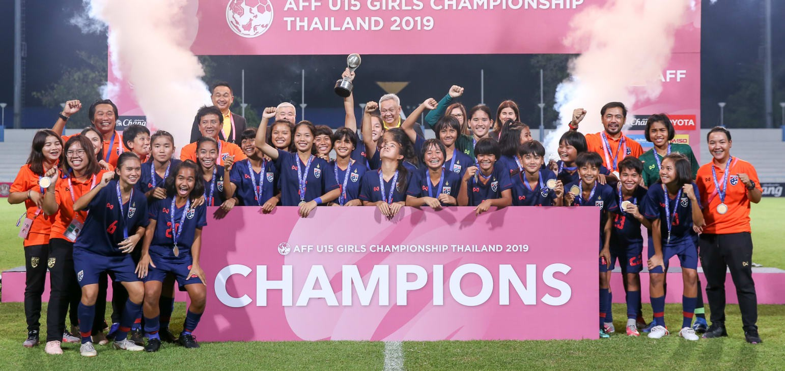 Naruephon counting on fans to drive Thailand