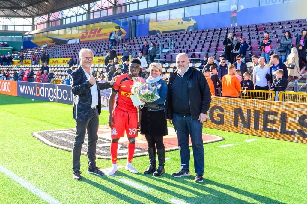 Ghana youth star Kudus receives Man of the Match award in the match against FC Copenhagen