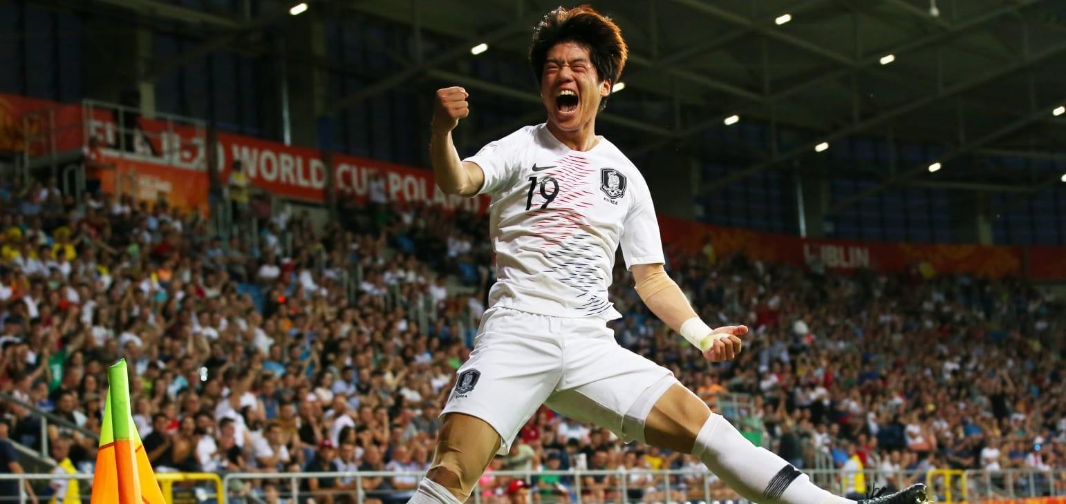 Choi Jun powers Korea Republic into final