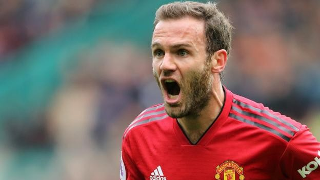 Juan Mata: Manchester United midfielder agrees new contract