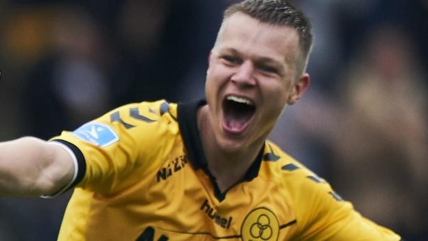Mads Juel Andersen: Barnsley sign Danish defender for undisclosed fee