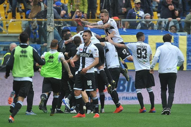 PARMA: 1,105 SEASON TICKETS RENEWED ALREADY
