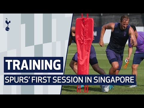TRAINING | SPURS' FIRST SESSION IN SINGAPORE