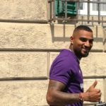 VIDEO: New Fiorentina forward Kevin-Prince Boateng signs autograph for fans