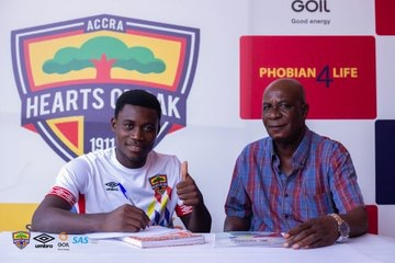 Youngster Mitchelle Sarpong pens 'improved contract' at Hearts of Oak