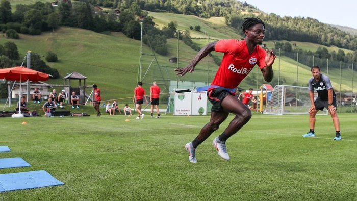Spanish giants FC Barcelona considering loan deal for Ghana youth star Gideon Mensah
