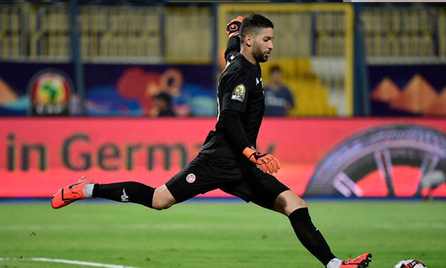 Tunisia keeper Mouez Hassen apologizes after rejecting substitution against Ghana