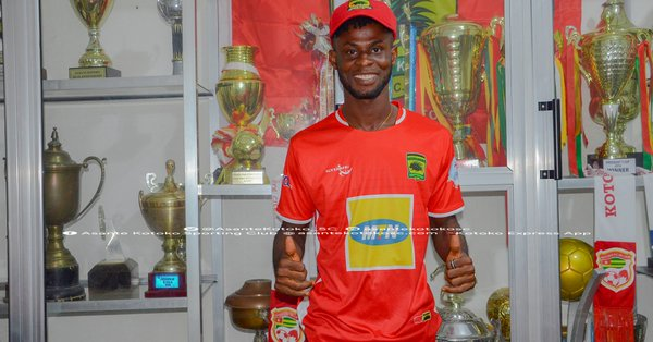 Asante Kotoko sign former Wa All Stars winger Kelvin Andoh on a three year deal