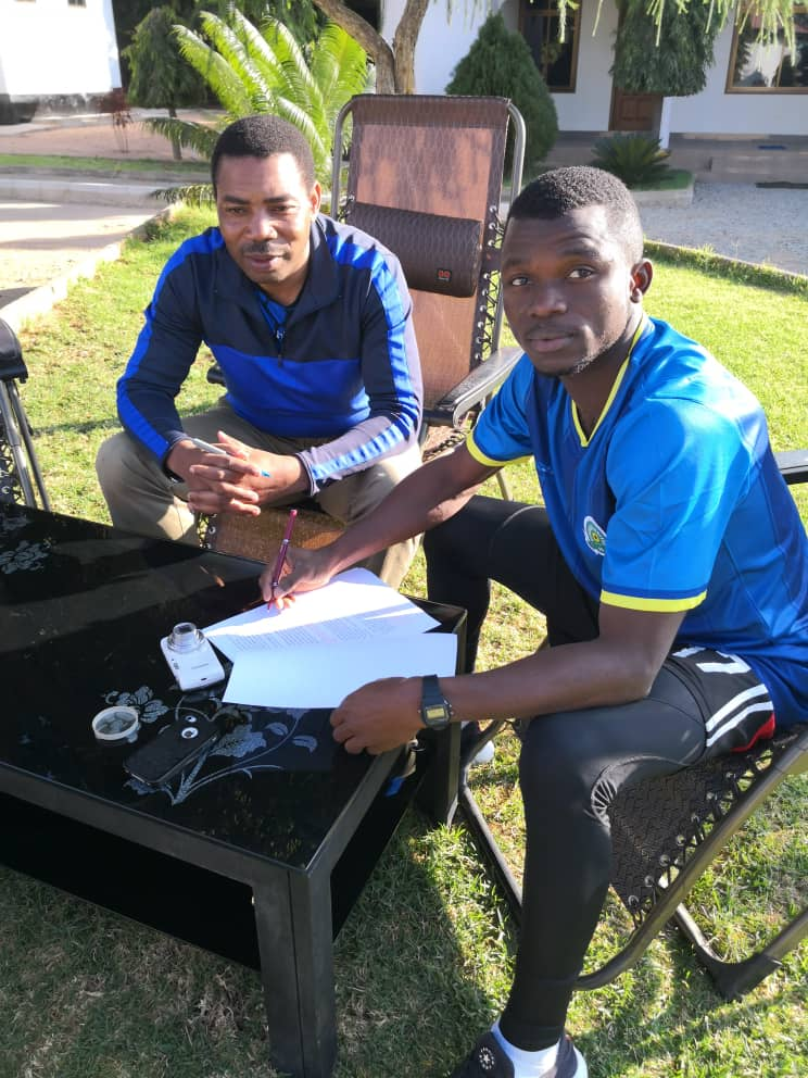 EXCLUSIVE: Ghanaian midfielder Stephen Opoku joins Tanzanian side Singida