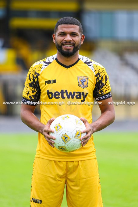CAF Confed Cup: Brazilian striker Marco Silver starts for AshantiGold against Akonangui FC