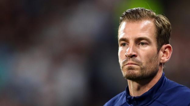 Jan Siewert: Huddersfield boss does not fear for position as winless start continues