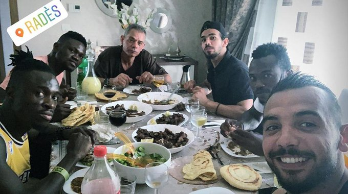 Espérance goalkeeper Moez Ben Cherifia gives Kwame Bonsu Eid-ul-Adha treat