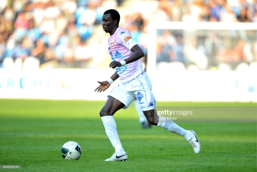 Rabiu Mohammed sent off on debut for Paris FC