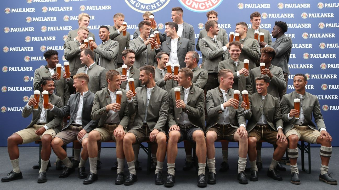 Toe Poke Daily: Coutinho dons lederhosen, drinks beer for his first Bayern Oktoberfest