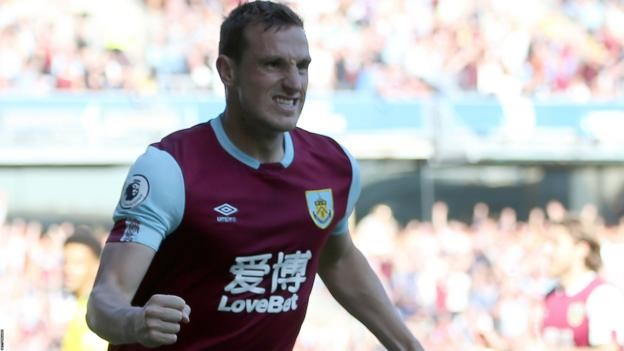 Burnley 2-0 Norwich City: Wood double lifts the Clarets to seventh