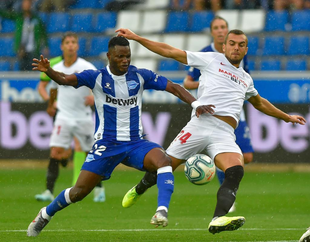 Mubarak Wakaso opens up on his stay at Deportivo Alaves despite interests from other clubs