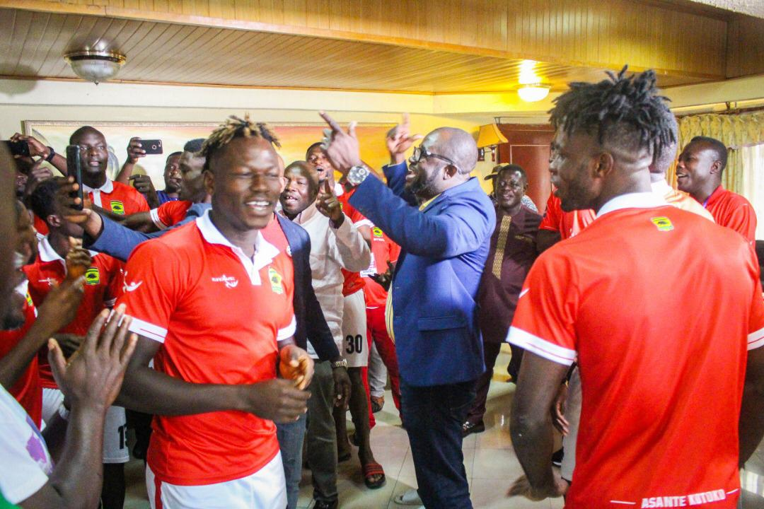 New Ghana FA chief Kurt Okraku motivates Asante Kotoko players to smash FC San Pedro