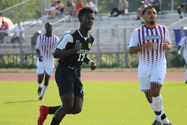 Ghanaian kid Chris Manful turning heads in US College soccer