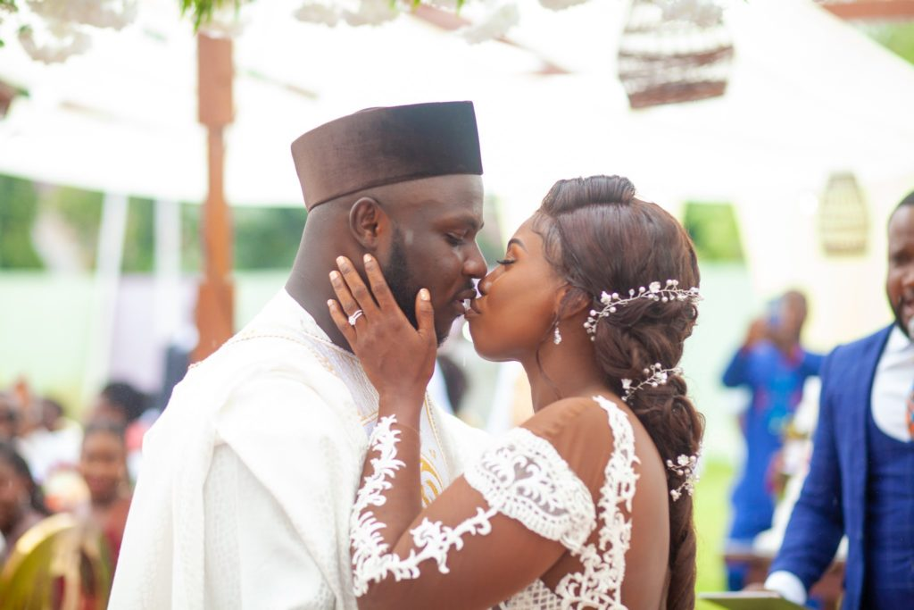 Former Ghana midfielder Emmanuel Frimpong marries