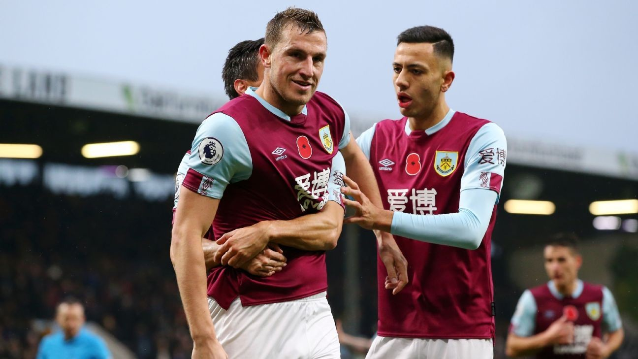 West Ham's winless run continues at Burnley