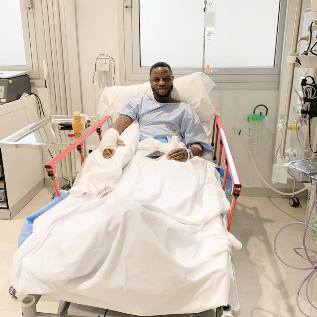 Mubarak Wakaso undergoes successful surgery on fractured right hand