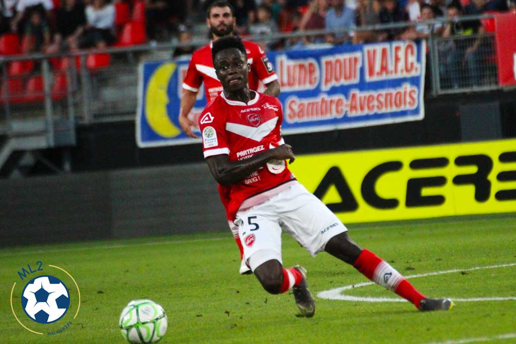 EXCLUSIVE: Emmanuel Ntim signs contract extension at Valenciennes