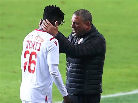 Emmanuel Boateng disappointed after being substituted in Hapoel Tel Aviv\'s victory against Hadera
