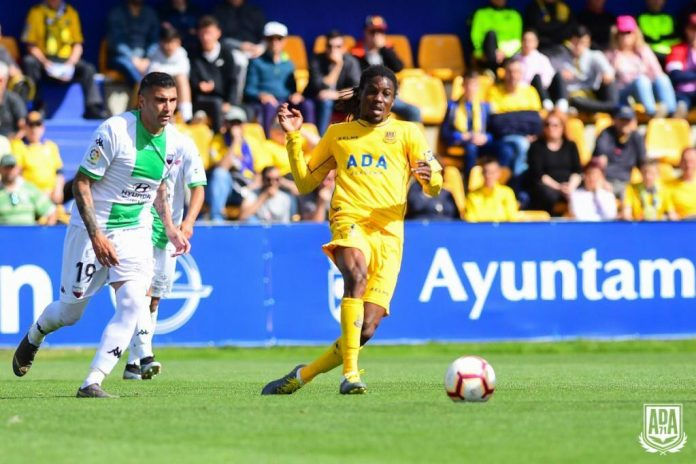 Ghanaian midfielder Richard Boateng scores in Alcorcon defeat to Real Ovideo in Spain