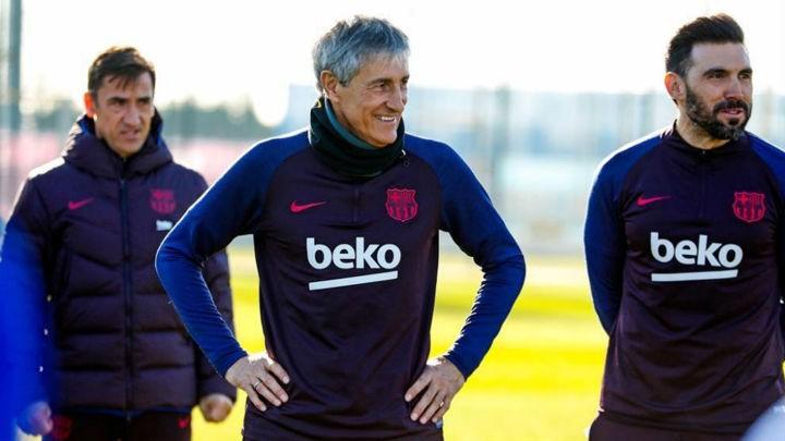 Setien's coach team have arrived at Barcelona