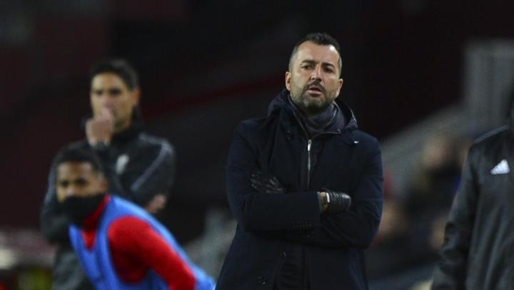 Granada boss: My players make me proud, but It hurts Vidal ends up without card