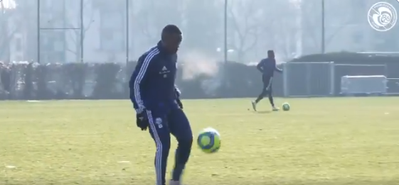 VIDEO: Majeed Waris trains for the first time with RC Strasbourg