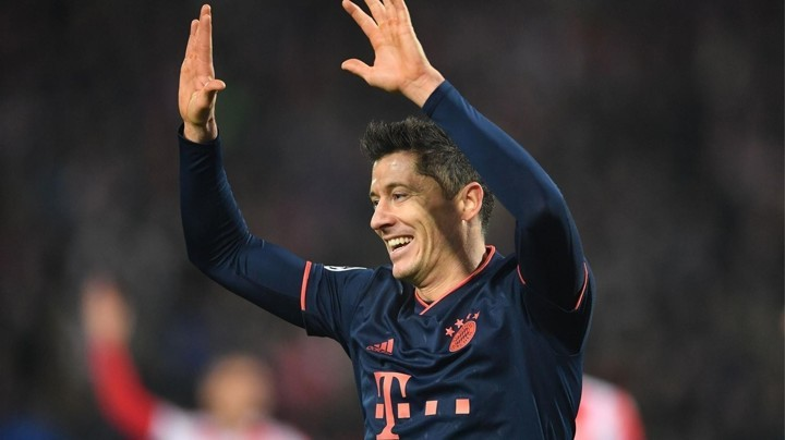 40 goals for club and country! Lewy is first player to get it this season