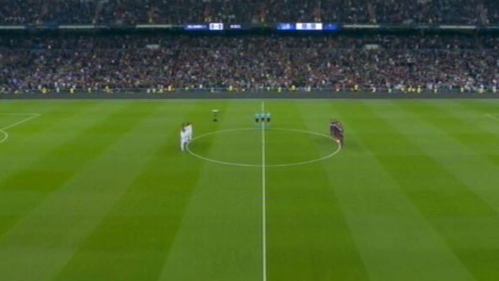 Bernabeu pays tribute to David Gistau prior to Madrid's match against Celta