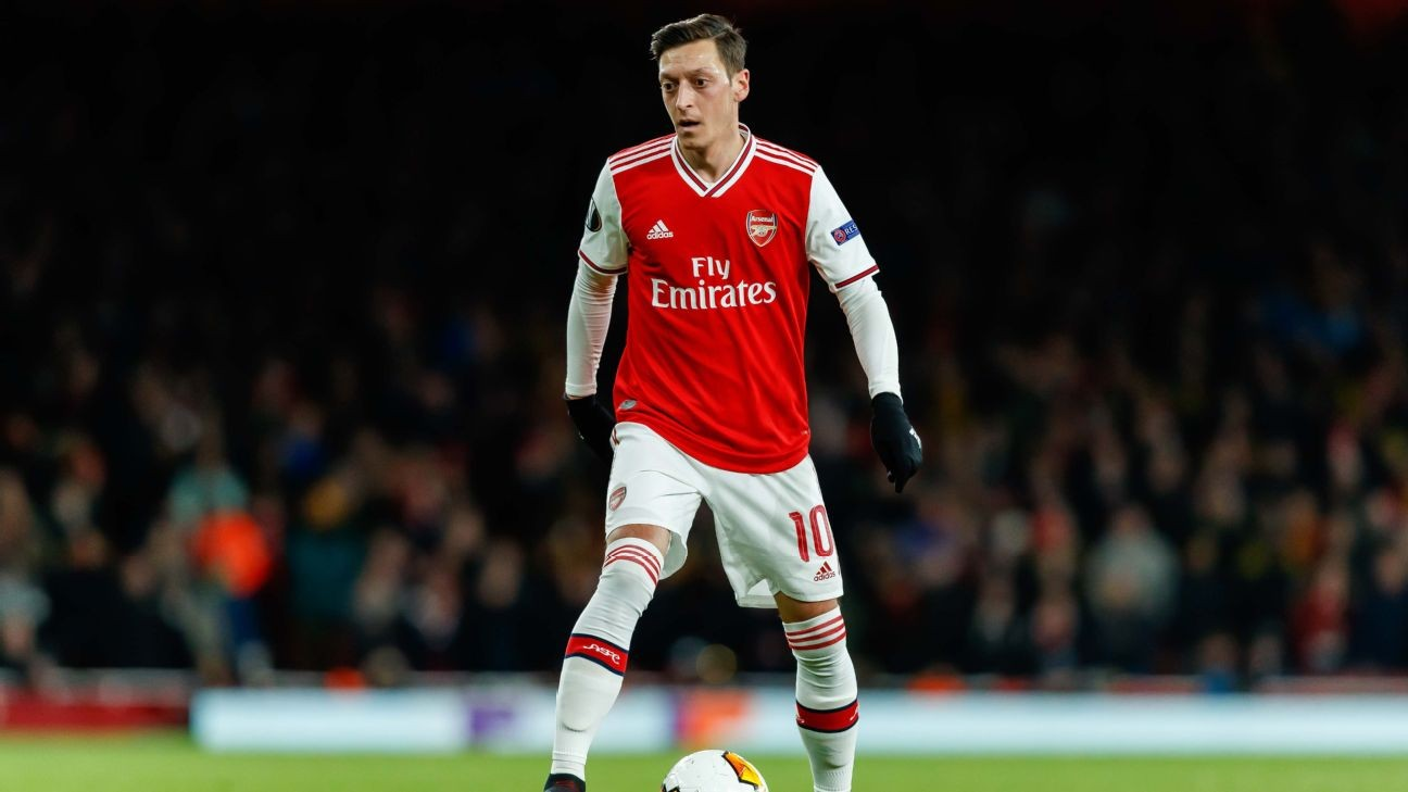 Arsenal's Mesut Ozil will not leave club this summer - agent