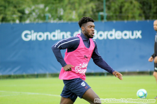 Bordeaux defender Enock Kwateng reveals preferred system ahead of Metz clash
