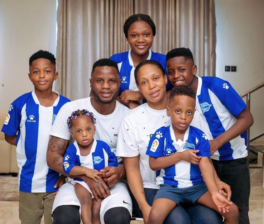 Ghana star Mubarak Wakaso shows off stunning photo of his family