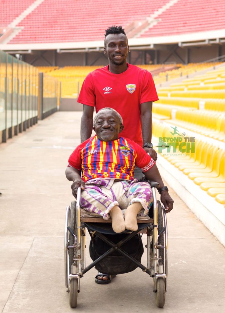 PHOTOS: Emmanuel Nettey donates jersey to physically challenged Hearts of Oak fan