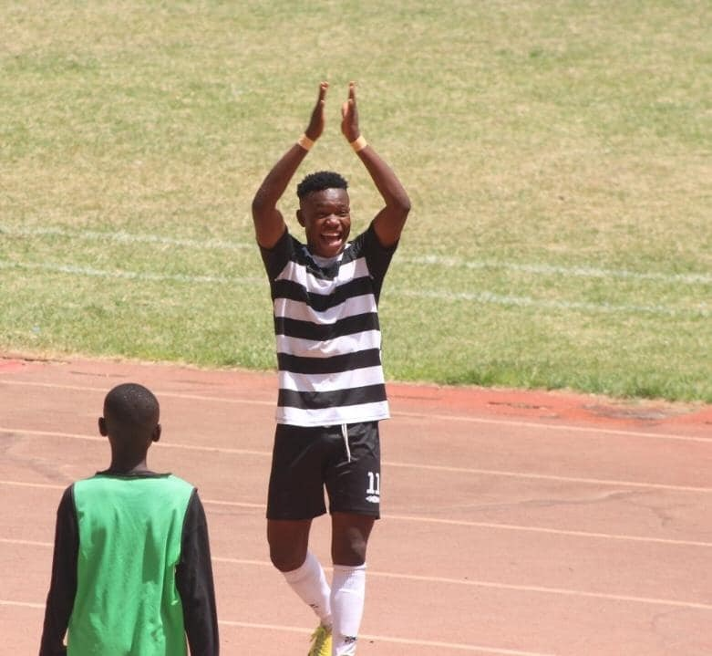 Meet 16 years Division One Goal Sniper Issahaku Abdul Fataw Of Steadfast FC And Former U17 Star.
