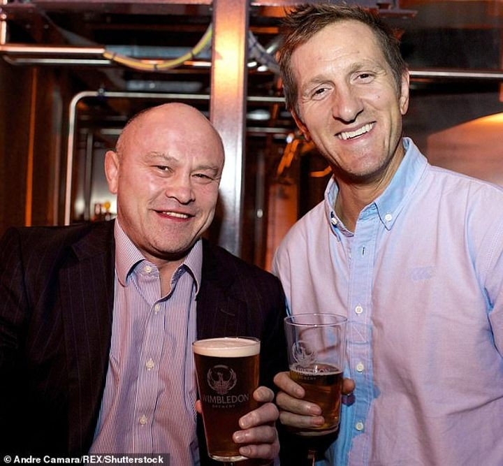 Ex-England star Brian Moore piles into Wetherspoons owner over £20,000 payment